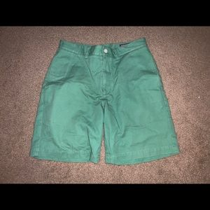 Vineyard Vines Shorts *SMALL STAIN ON RIGHT LEG*